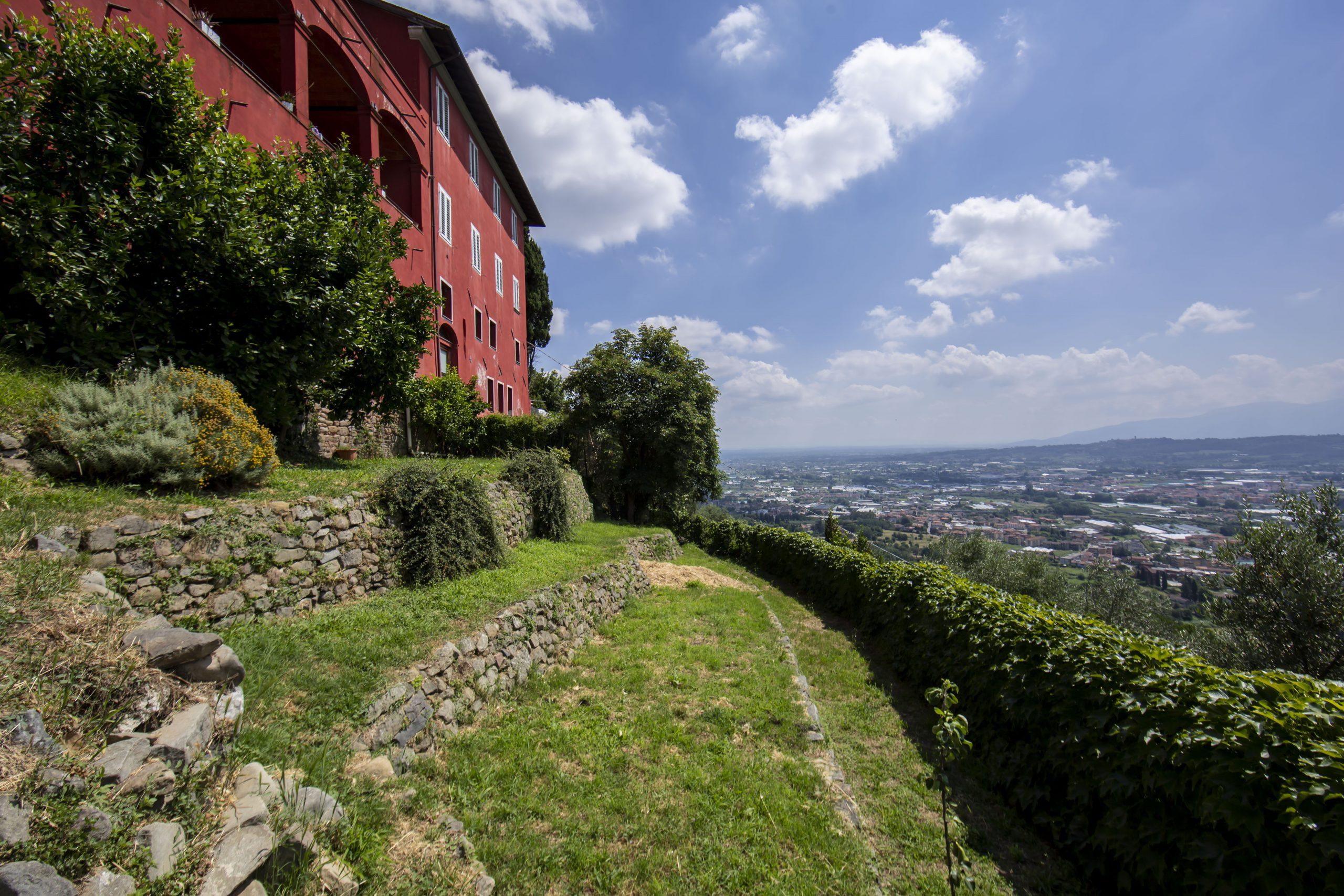 Villa unifamiliare via Alessandro Bardelli , Uzzano